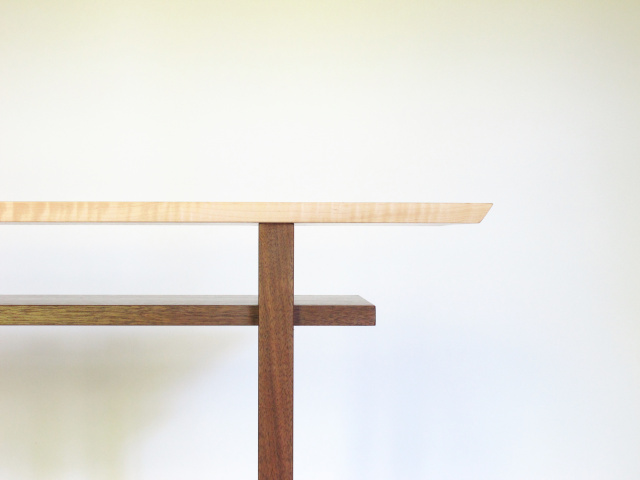 A Minimalist Table Design With Shelf For An Alternative Sideboard ...
